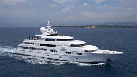 Would You Like to Rent a Billionaire's Yacht? | Hollywood