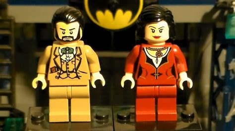 LEGO Batman: Custom Thomas and Martha Wayne - YouTube