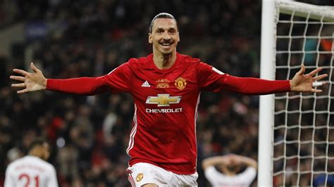 Zlatan Ibrahimovic signs new one-year deal with Manchester