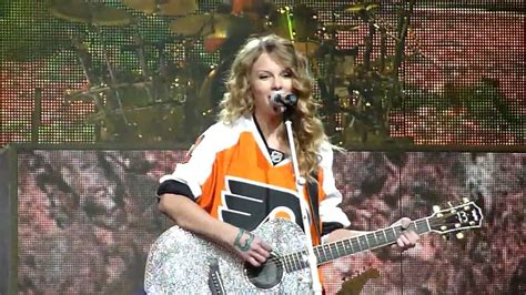 Taylor Swift - Today Was A Fairytale (Live) - YouTube